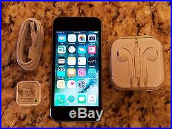 2 Apple iPhone 5s 16GB Space Gray (AT&T) Smartphones / Very good condition